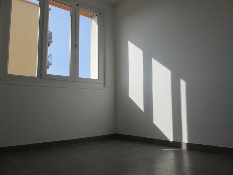a vendre appartement villeurbanne 69100. Black Bedroom Furniture Sets. Home Design Ideas